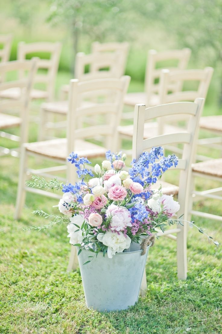 #aisle #flowers | Country Chic Tuscan Wedding from Varese Wedding + Lisa Poggi Photography  Read more - http://www.stylemepretty.com/destination-weddings/2013/11/08/country-chic-tuscan-wedding-from-varese-wedding-lisa-poggi-photography/