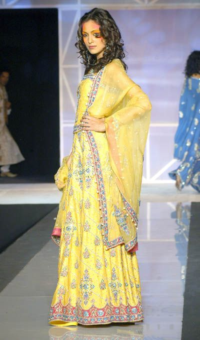 Mehndi Clothes 6
