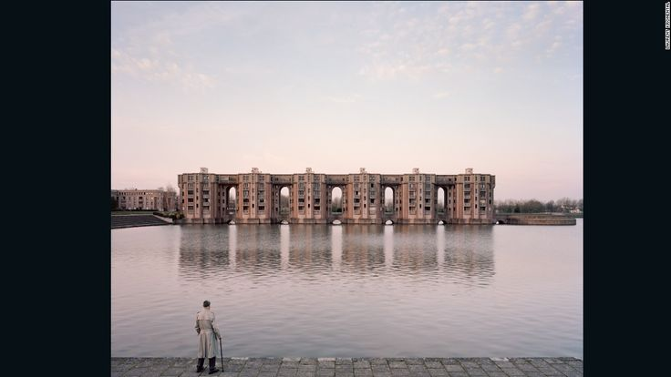 Jacques, 82, Le Viaduc et les Arcades du Lac, Montigny-le-Bretonneux, 2015
