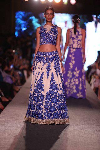 Manish Malhotra at Lakmè Fashion Week | VIVA-LUXE #ManishMalhotra  #LakmèFashion #Bluerunway