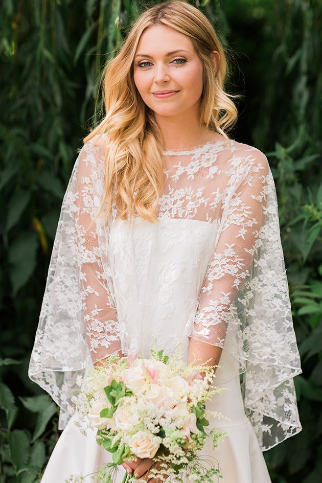 love love love this bride's lace cape!