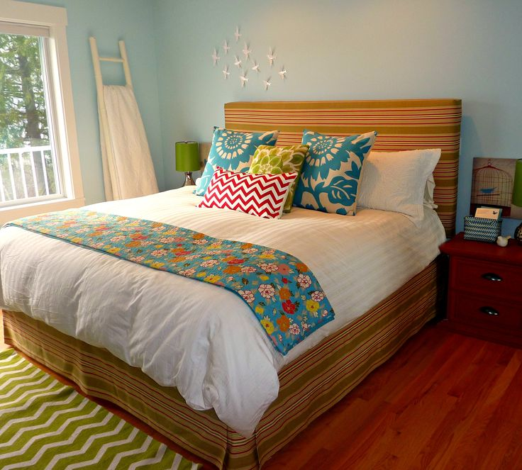 DIY-Upholstered-headboard-and-matching-faux-bedskirt-at-thehappyhousie.png (2536×2287)