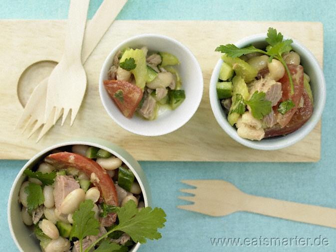 Italienischer Bohnen-Thunfisch-Salat - smarter - mit Sellerie und Tomaten. Kalorien: 400 Kcal | Zeit: 60 min. #recipe