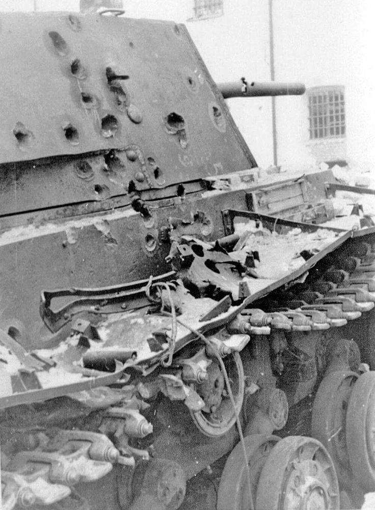 kv 1 with lots of ap divots combat vehicles ww2 tanks. Black Bedroom Furniture Sets. Home Design Ideas