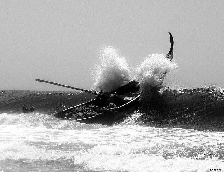 Mira barco onda
