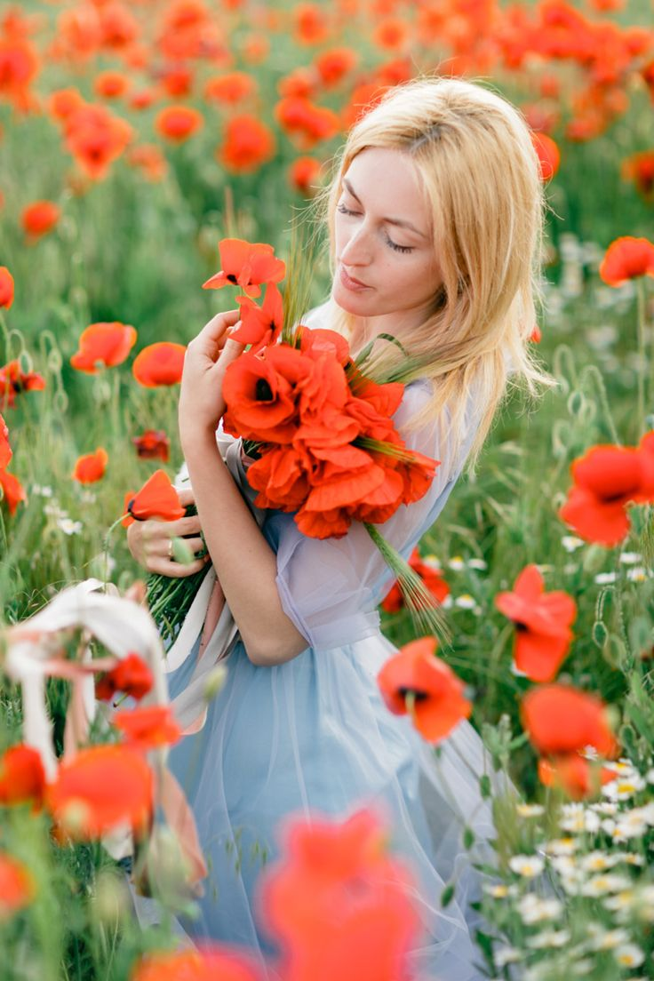 37 best images about red flowers on pinterest poppy fields blue gown and lady in red. Black Bedroom Furniture Sets. Home Design Ideas