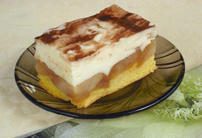 Almás piskóta tejfölös krémmel recept képpel. Hozzávalók és az elkészítés részletes leírása. Az almás piskóta tejfölös krémmel elkészítési ideje: 60 perc