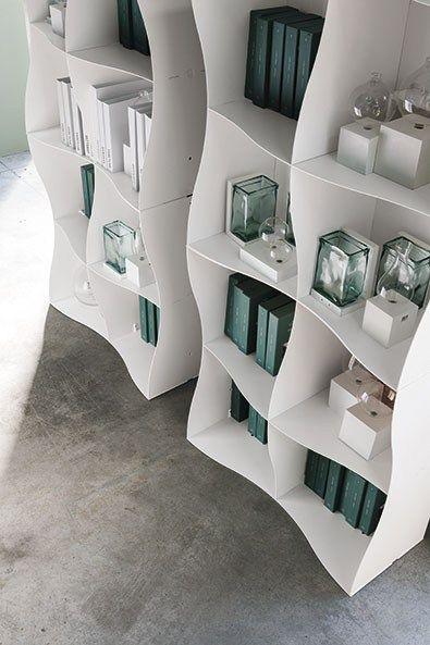 Iron-ic: sinuous, versatile and textured shapes - Ronda Design presents at iSaloni new modular bookcase @rondadesignsrl
