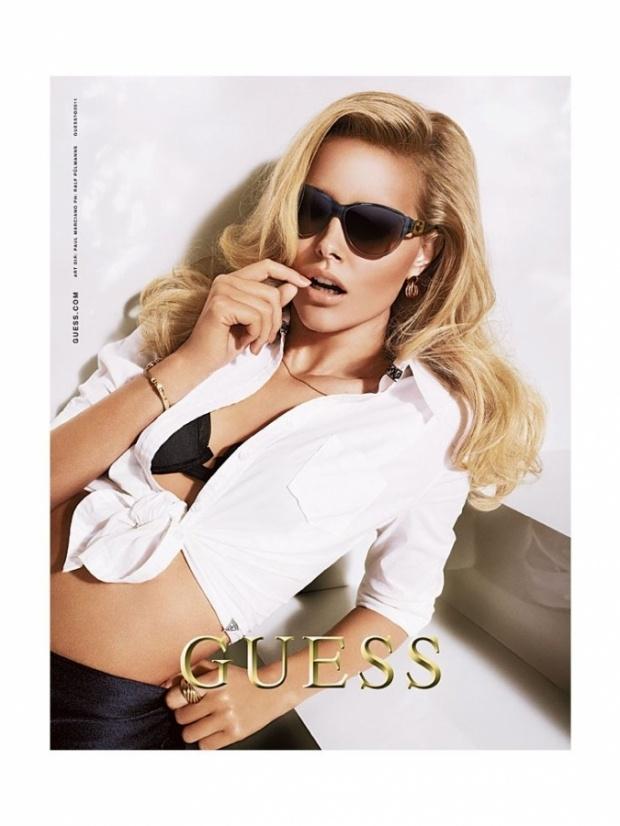 GIO's FASHION MAG: Новогодняя реклама аксессуаров от Guess
