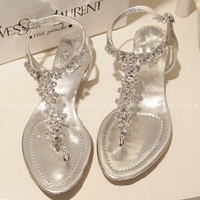 new arrival 2013 rhinestone bling flat sandals 35, 40 womens flip,flop flat heel shoes silver 1006