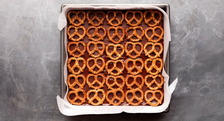 Pretzel Fudge Recipe- sub in sub Glutino GF pretzel.