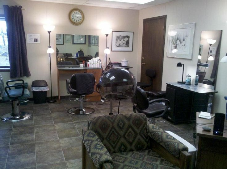 Salon Simpatico ist ein Full-Service-Schönheitssalon, der Haarpflege, Nagelpflege, … – Hair Salon Supplies