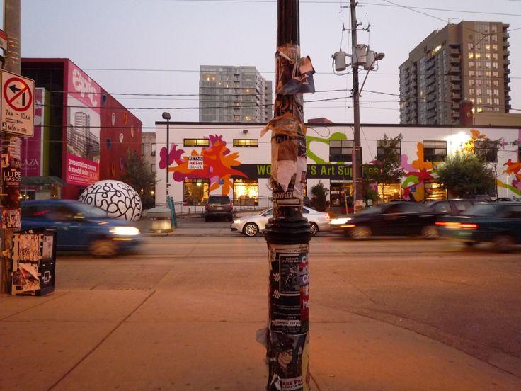 Canada, Toronto, streetscene in the evening