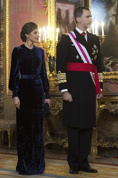 Queen Letizia of Spain Photos - Queen Letizia of Spain and King Felipe VI of Spain attend the Pascua Militar ceremony at the Royal Palace on January 6, 2018 in Madrid, Spain. - Spanish Royals Celebrate New Year's Military Parade 2018