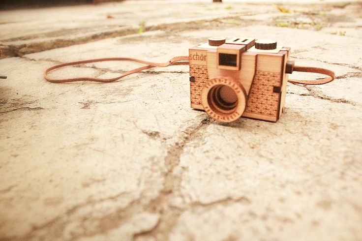 Our first Babee wooden camera puzzle #wooden #wood #camera #neclace #lasercutting #handmade #gift