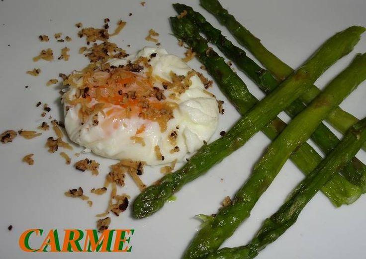 Huevo poché trufado y espárragos trigueros
