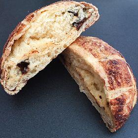 """Recette créée à l'occasion de la Battle Food #52 et inspirée d'une recette japonaise : le """"melon pan"""". Il s'agit d'une pâte à brioche recouverte d'une pâte à cookies, et fourrée aux pépites de chocolat. A la fois fondant, croquant et terriblement gourmand !"""