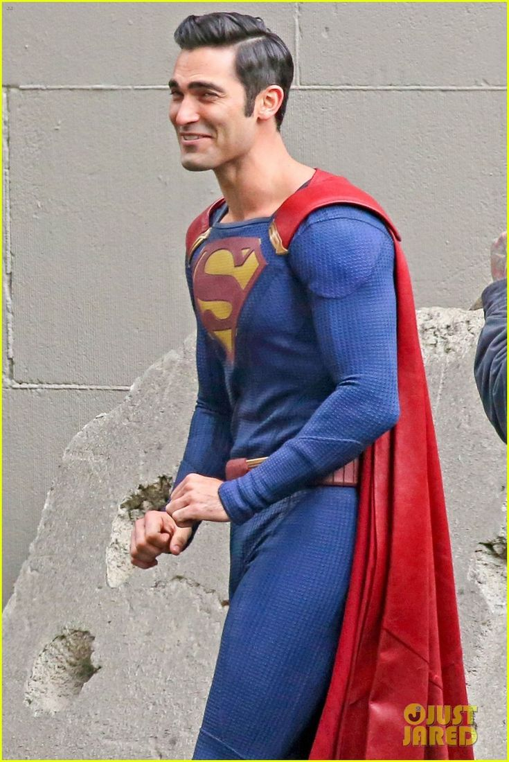 melissa benoist tyler hoechlin work on set of supergirl 02