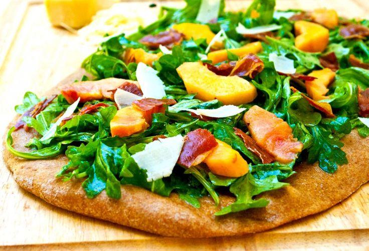 Peach-and-Proscuitto-Flatbread-2 http://slimpickinskitchen.com/2012/06/fresh-peach-prosciutto-flat-bread/