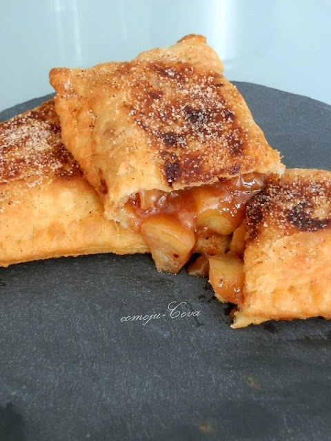 Comoju: Pastel de Manzana Frito para el #DiaDeLaEmpanadilla  Fried Apple Pie for # DiaDeLaEmpanadilla