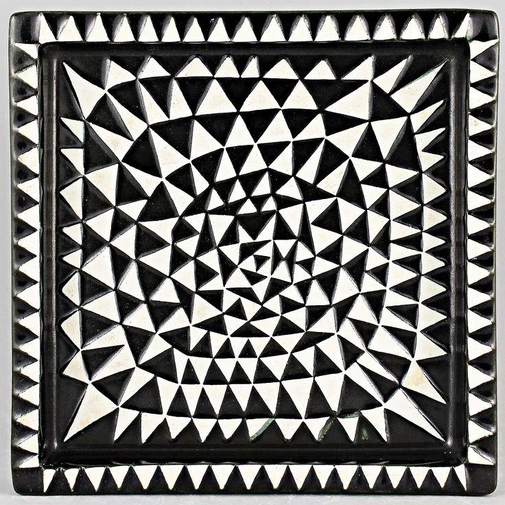 Stig Lindberg (Domino 1955) Era-typical Triangles Dish