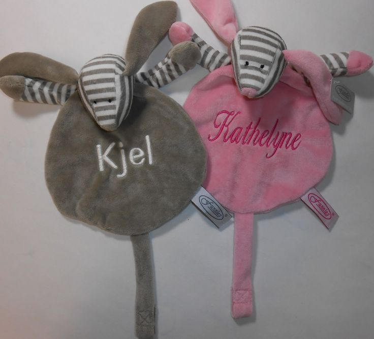 tutdoek speen met naam geborduurd http://www.borduurkoning.nl/shop/baby_artikelen/tutpoppetje/tutdoek_speen_grijs.html