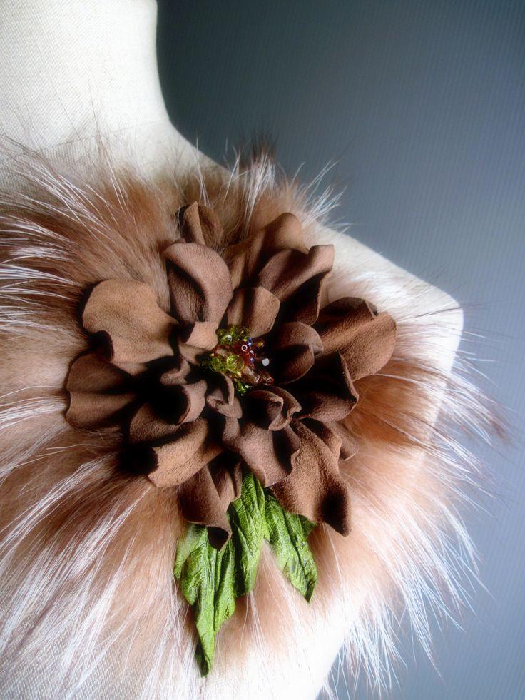 "fiore in pelle e pelliccia ""EleaM"""