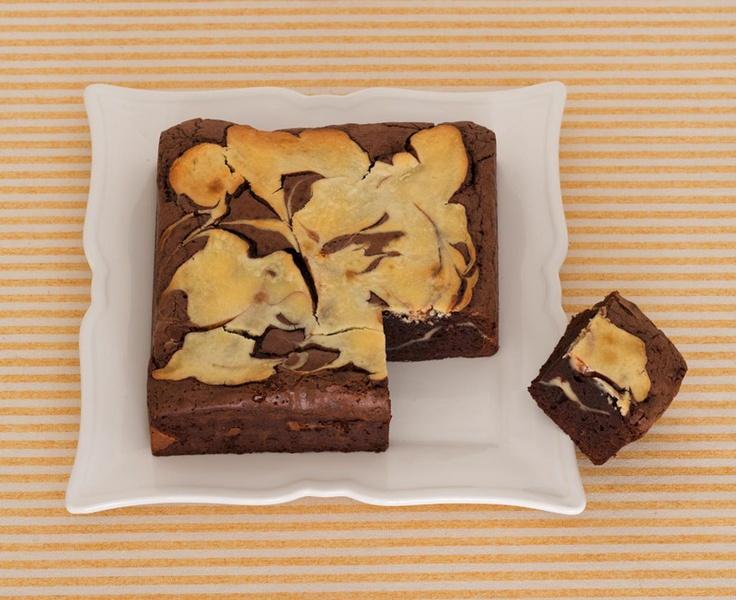 チーズとチョコの素敵なコラボ、チーズケーキブラウニー。/デコ・チョコ・スイーツ(「はんど&はあと」2013年2月号)