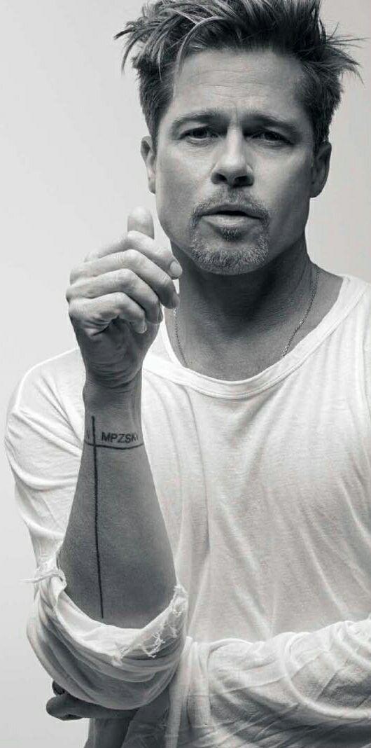 Brad Pitt how can he look so...