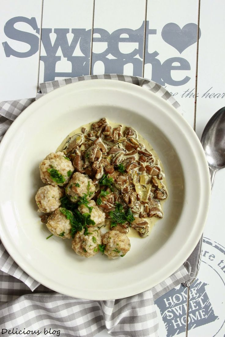 Delicious blog: Kroupové knedlíčky s hříbkovou omáčkou