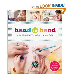 Hand in Hand: Amazon.co.uk: Jenny Doh: Books