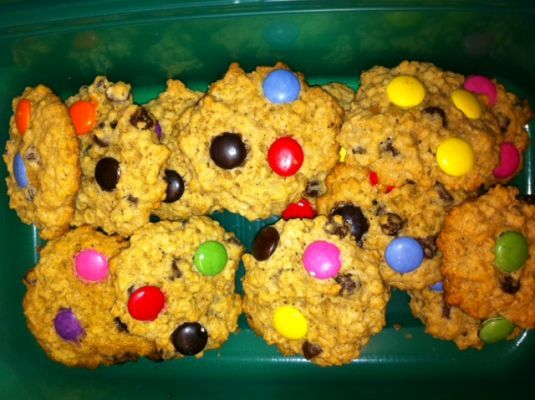 Chocolate Chip Oatmeal Cookies with Smarties - Recipe Detail - BakeSpace.com
