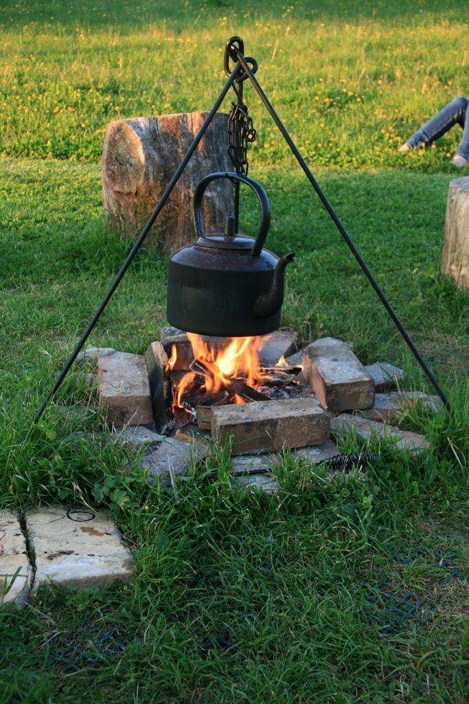 Cook on an open fire......
