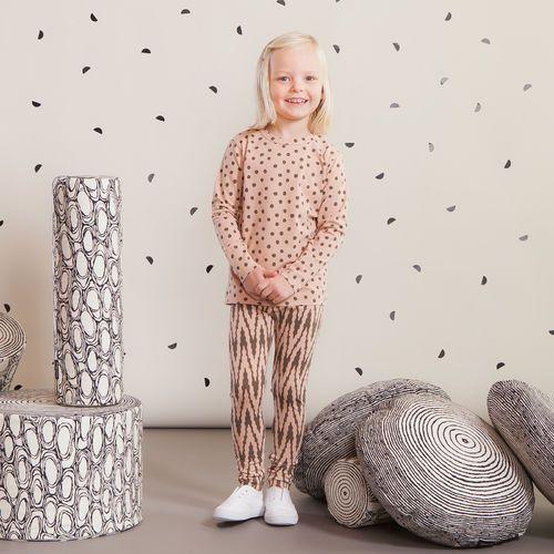 VIRTA leggings, puuteriroosa - mokka| NOSH Lasten talvimallistossa seikkailevat lempeän pehmeät jääkarhut, graafiset raidat ja ilmeikkäät leikkaukset. Tutustu mallistoon ja tilaa verkosta, NOSH vaatekutsuilta tai edustajalta www.nosh.fi / (This collection is available only in Finland )
