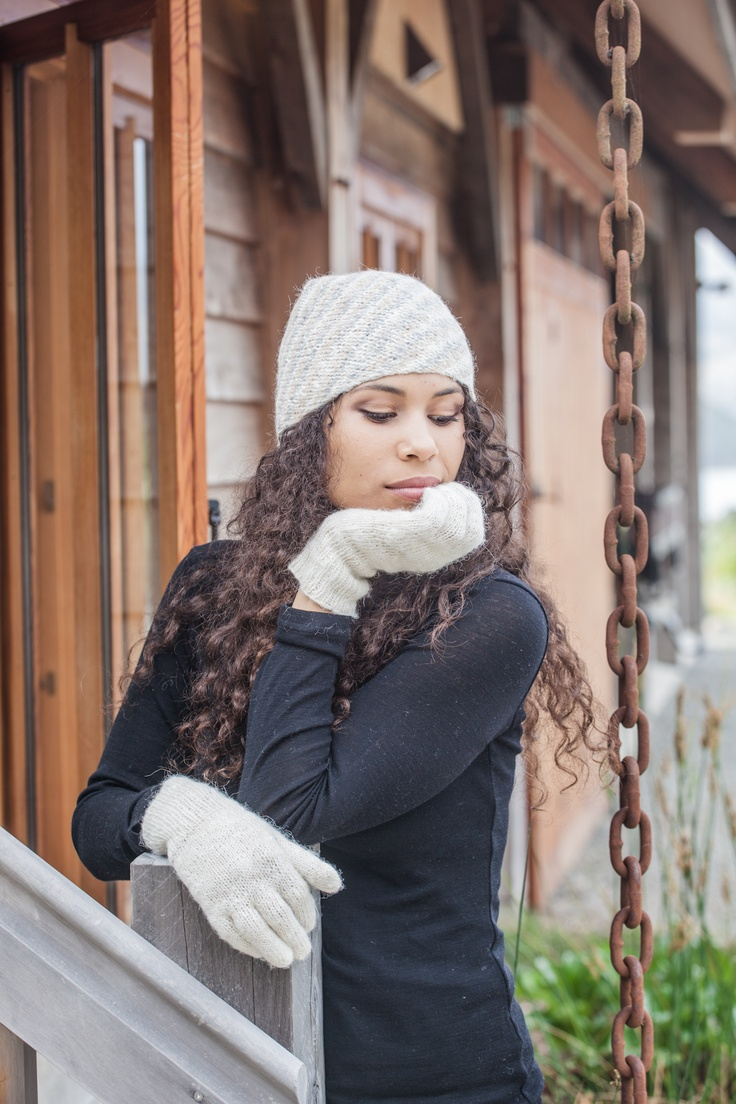 Alpaca hats and gloves from Peru