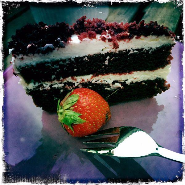 Red Velvet Cake... Read the recipe #siluetyogawear #madewithloveforyou