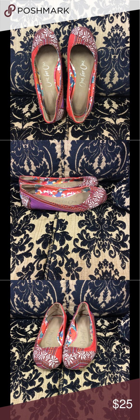 Tom's ballet flats size 9 size 9 Tom's ballet flats. Rip and stain free. Smoke free home TOMS Shoes Flats & Loafers