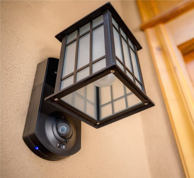 Porch Light With Camera: A Neat Idea/alternate To Wifi Enabled Doorbells: Http