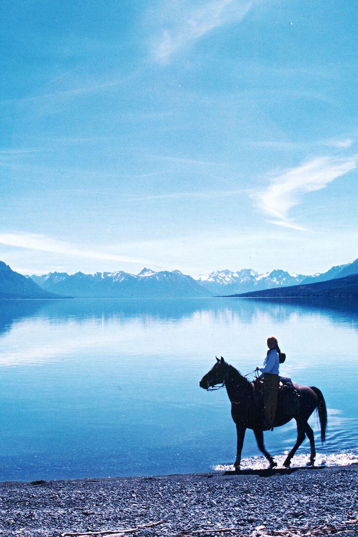Découvrez les lacs grandioses de la Colombie Britannique pendant une expédition équestre #canada #cheval                                                                                                                                                                                 Plus