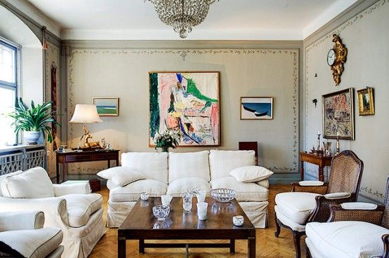 Extremely Large Townhouse with Very Traditional Interior Design