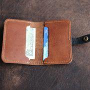 Holtz Leather Co. Doolittle front pocket wallet inside