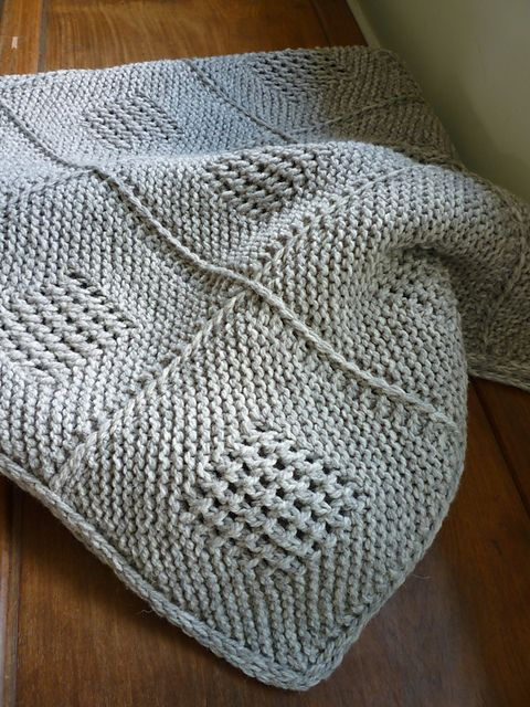25+ best ideas about Knitted throw patterns on Pinterest Chunky yarn blanke...