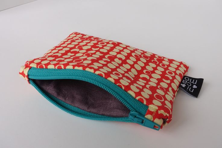 Zipper pouch with screen print nicamo