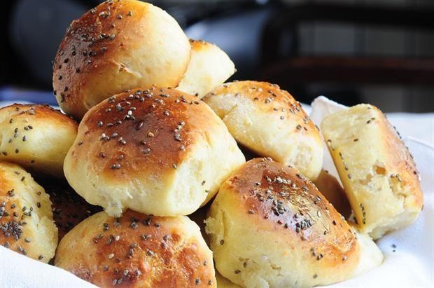 Pancitos de queso con semillas de amapola - Cocina y Recetas - lanacion.com