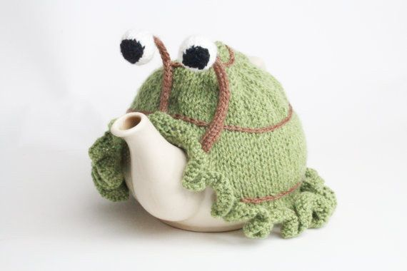 Accompanied by an adorable little snail cozy. | 22 Impossibly Cute Ways To Drink Your Tea