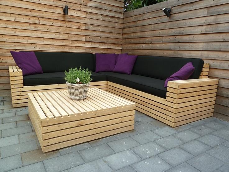 Lounge-bank, eikenhout met buitenkussens. www.me-m…