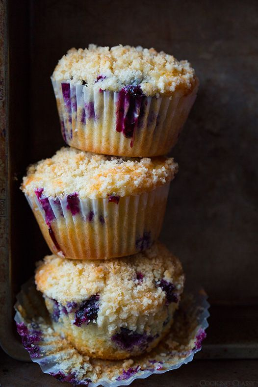 Blueberry Muffins with Streusel Topping - these are my favorite blueberry muffins EVER!! @Jaclyn Booton Bell {Cooking Classy}