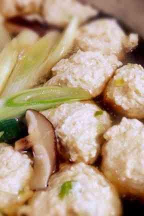 鍋に汁物アレンジ自在!鶏団子(つみれ)の画像