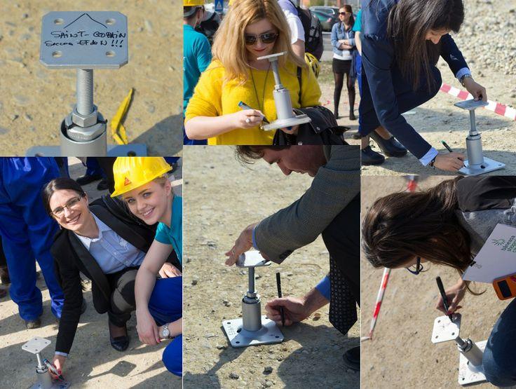 Tu ai vrea să locuiești într-o casă solară, eficientă energetic, sustenabilă, inteligentã, dar și în permanentã conexiune cu natura? Studenții de la EFdeN vor reprezenta România la Solar Decathlon Europe 2014 cu o casă a viitorului. Detalii pe blogul SmartDreamers: http://bit.ly/PRpZZO