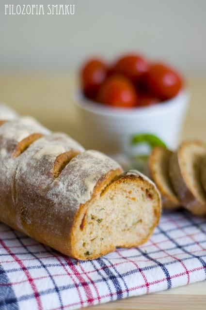 Sundried tomato and basil bread